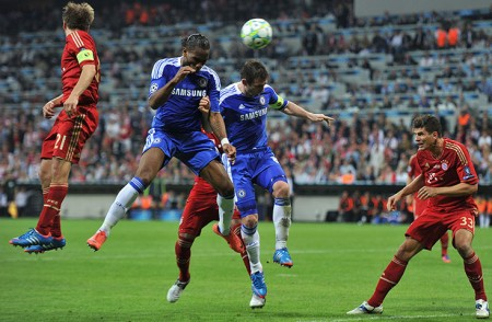 Didier Drogba scores in the 2012 Champions League Final