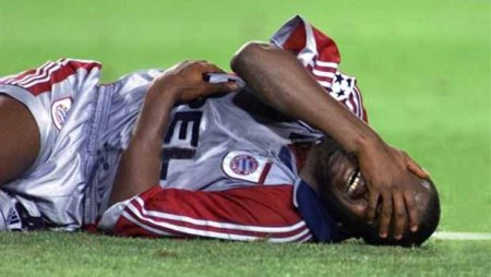 Samuel Kuffour menangis 1999